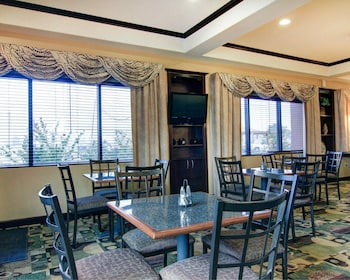 Fort Stockton Vacations - Comfort Suites Fort Stockton - Property Image 1