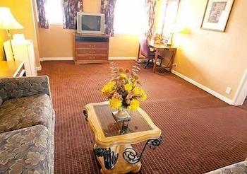 Hotel - Parkway Inn