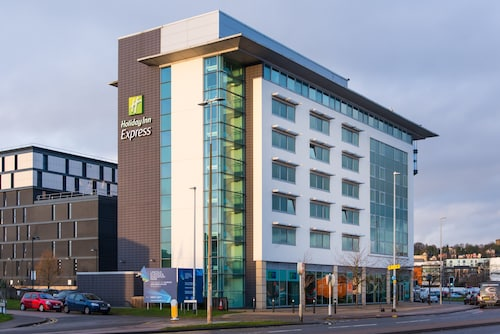 . Holiday Inn Express Lincoln City Centre