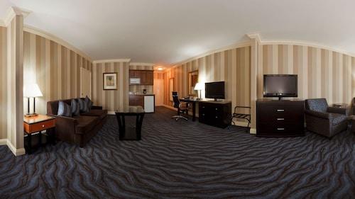 Holiday Inn Express Hotel & Suites Santa Cruz, Santa Cruz