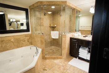 Two Bedroom Whirlpool w/Queen Sofa Bed