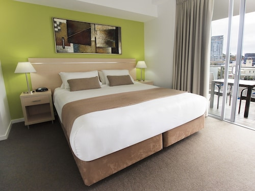 . Oaks Townsville Gateway Suites