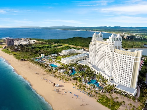 . Riu Emerald Bay All Inclusive