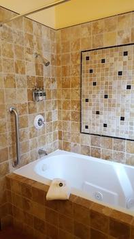 Maison Fleurie, A Four Sisters Inn - Bathroom  - #0