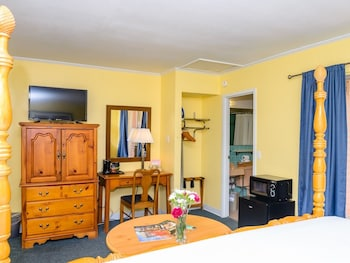 Standard Double Room, Private Bathroom (King Room)