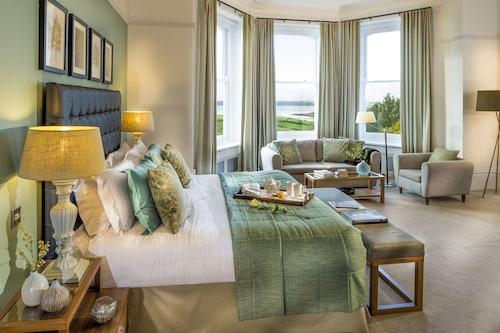 __{offers.Best_flights}__ Trenython Manor Hotel & Spa