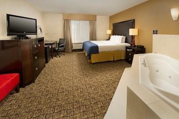 Guestroom at Holiday Inn Express Hotel & Suites Columbia East - Elkridge in Elkridge