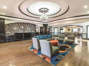 沃斯堡 - 沃斯湖溫德姆拉昆塔套房飯店 La Quinta Inn & Suites by Wyndham Fort Worth - Lake Worth