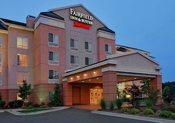 Conway Vacations - Fairfield Inn & Suites by Marriott Conway - Property Image 1