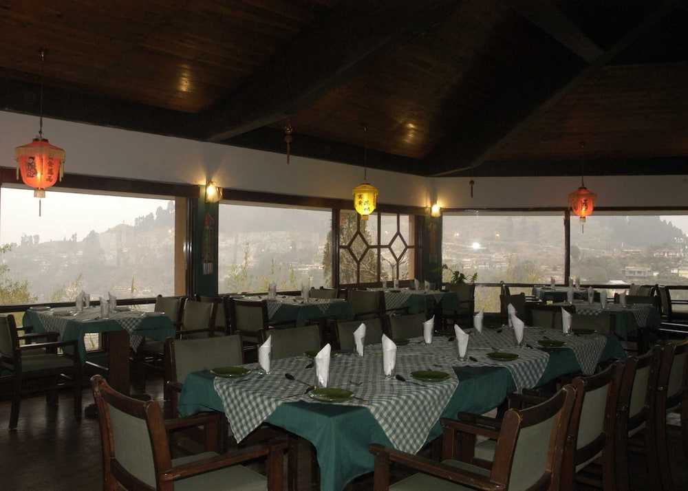 스털링 다르질링(Sterling Darjeeling) Hotel Image 14 - Dining