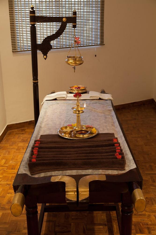스털링 다르질링(Sterling Darjeeling) Hotel Image 12 - Treatment Room