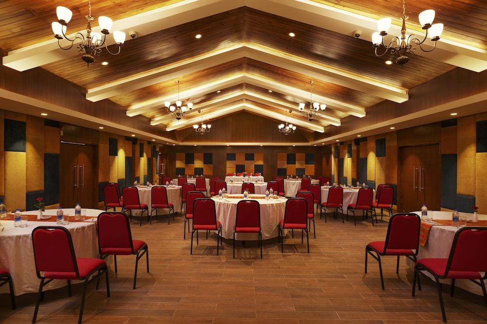 스털링 다르질링(Sterling Darjeeling) Hotel Image 25 - Reception Hall