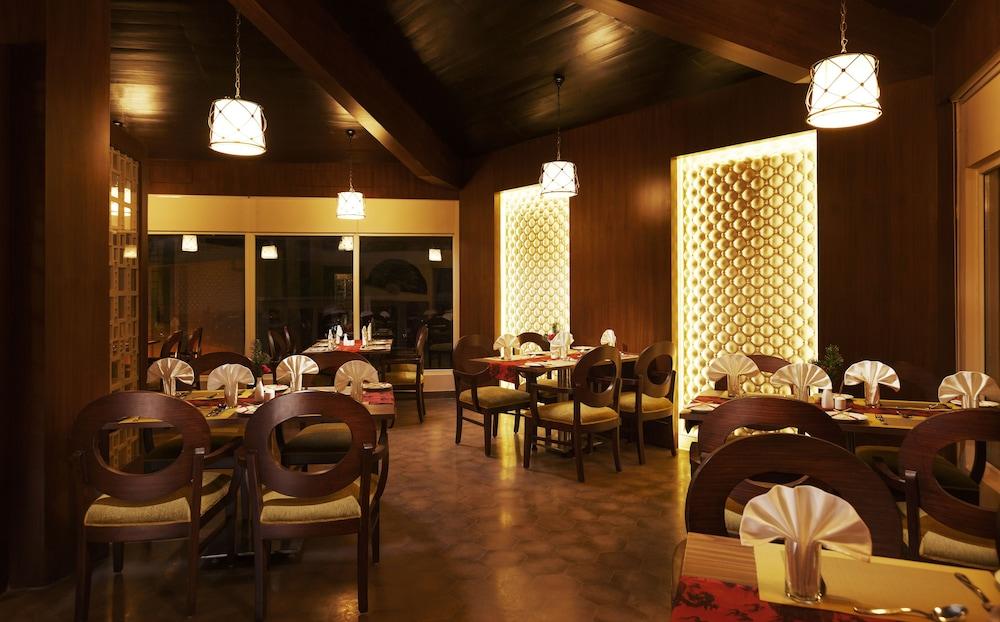 스털링 다르질링(Sterling Darjeeling) Hotel Image 15 - Restaurant