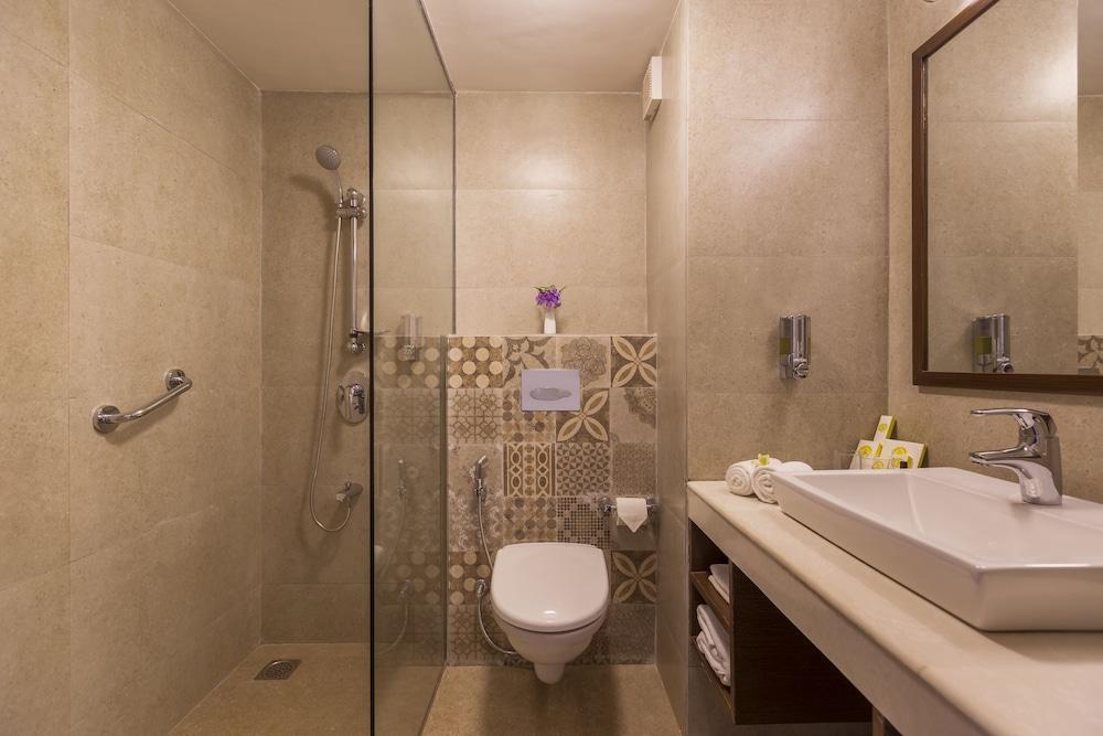 스털링 다르질링(Sterling Darjeeling) Hotel Image 10 - Bathroom