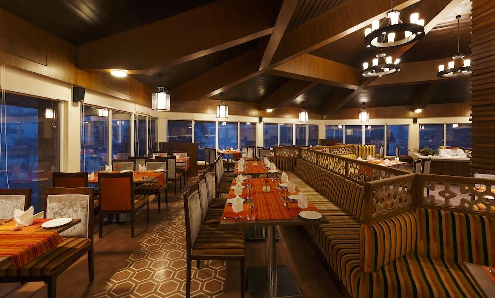 스털링 다르질링(Sterling Darjeeling) Hotel Image 17 - Restaurant