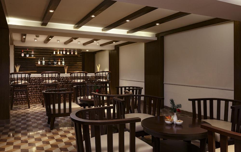 스털링 다르질링(Sterling Darjeeling) Hotel Image 22 - Hotel Bar