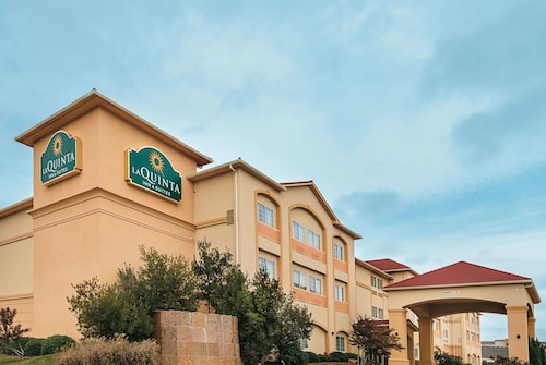 . La Quinta Inn & Suites by Wyndham Woodway - Waco South