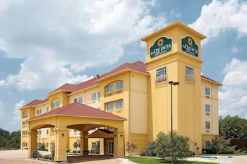 Hotel - La Quinta Inn & Suites by Wyndham Fort Worth NE Mall