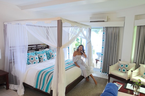 Calabash Cove Resort And Spa - Adults Only,