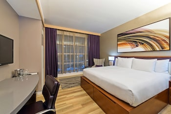 Guestroom at West 57th Street by Hilton Club in New York