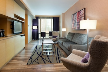 Suite, 1 Bedroom (Plus, 1 King Bed, Floors 16-20)