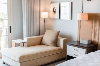 Room, 1 King Bed (Ocean Side)