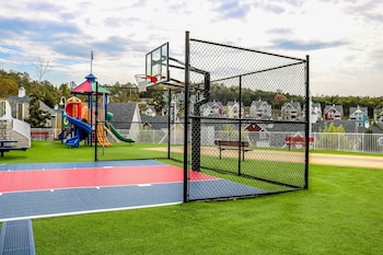 Stormy Point Village Resort - Basketball Court  - #0