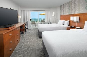Room, 2 Queen Beds, View, Oceanfront
