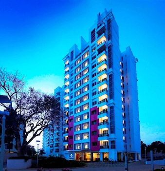 Hotel - Royal Orchid Suites