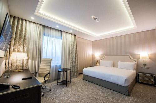 . Prahova Plaza Hotel
