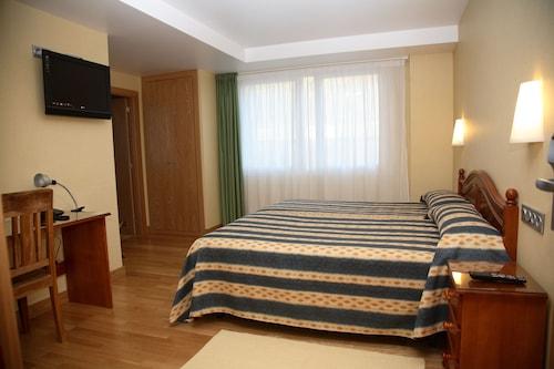 __{offers.Best_flights}__ Villa de Ermua Hotel
