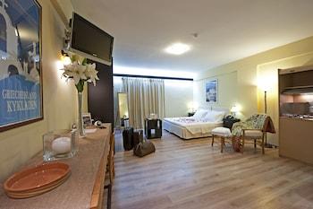 Apartment (Single)