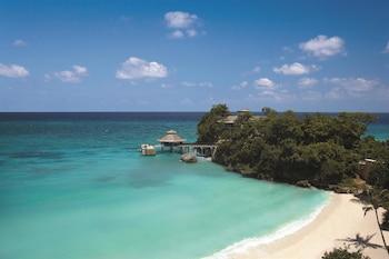 Shangri-La Boracay Beach