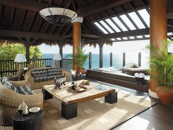 Shangri-La Boracay Living Area