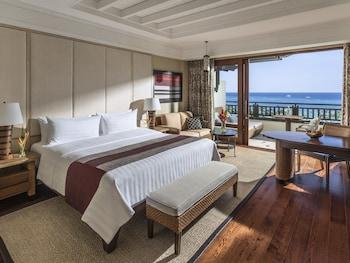 Shangri-La Boracay Guestroom
