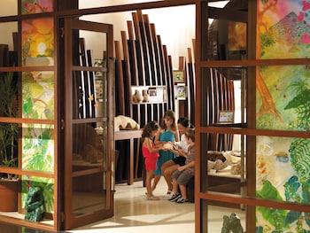 Shangri-La Boracay Hotel Interior