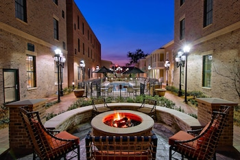 Exterior at Residence Inn by Marriott Savannah Downtown/Historic Distric in Savannah