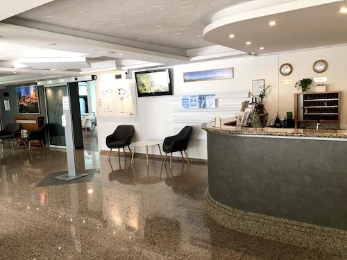 . Hotel Medno