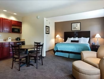 Studio Suite, 1 Queen Bed, Accessible, Non Smoking (Mobility)
