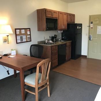 Candlewood Suites Vicksburg - In-Room Dining  - #0