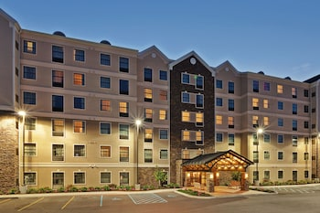 Hotel - Staybridge Suites West Seneca