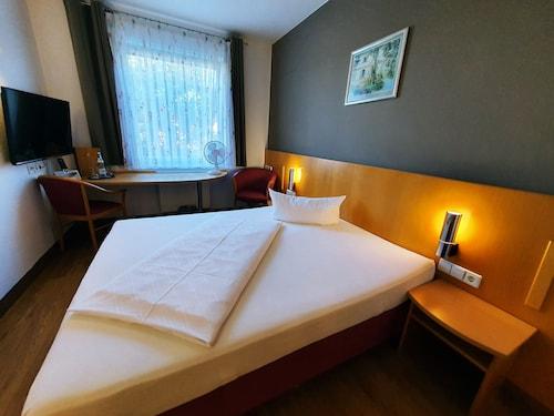 . Hotel Sun Parc - FREE Shuttle