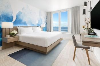 Premium King Oceanfront Room