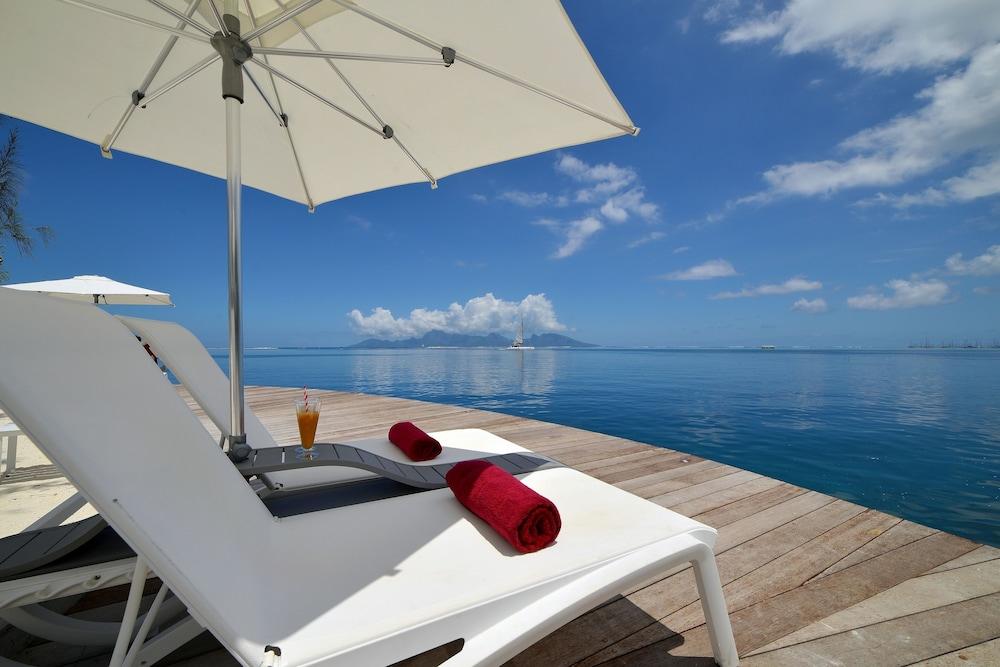 Manava Suite Resort Tahiti   Qantas Hotels on faaone tahiti, hotel tiare tahiti, bora bora tahiti, hitiaa tahiti, huahine tahiti, papenoo tahiti, teahupoo tahiti, faa'a tahiti, tahiti tahiti, rangiroa tahiti, pirae tahiti, museum of tahiti, tikehau tahiti, vairao tahiti, mahina tahiti, paea tahiti, manava resort tahiti, papeete tahiti, papara tahiti, gauguin museum tahiti,