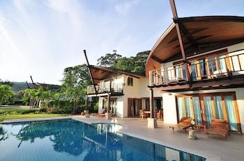Grand Villa, 5 Bedrooms, Beachside