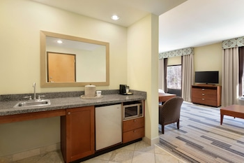 Studio, 1 King Bed, Accessible (Mobility, Roll-in Shower)