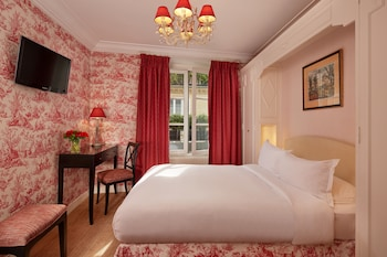 Standard Double Room, Bathtub