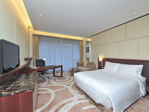 New World Dalian Hotel, Dalian