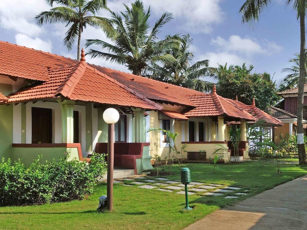 Villa, River View