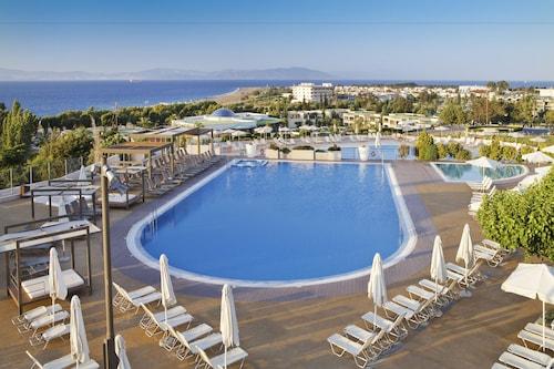 . Kipriotis Panorama Hotel & Suites